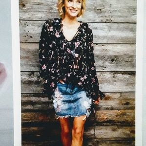 Black/pink floral ruffled blouse